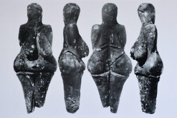 Najstaršia keramická soška na svete – Věstonická venuša zpálenej hliny.