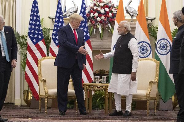Šéf Bieleho domu Donald Trump počas spoločného vyhlásenia s indickým premiérom Naréndrom Módím v Naí Dillí.