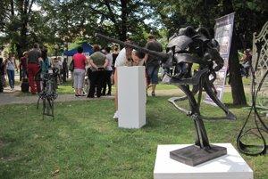 Umelecké diela z kovu si mohli návštevníci pozrieť zblízka.