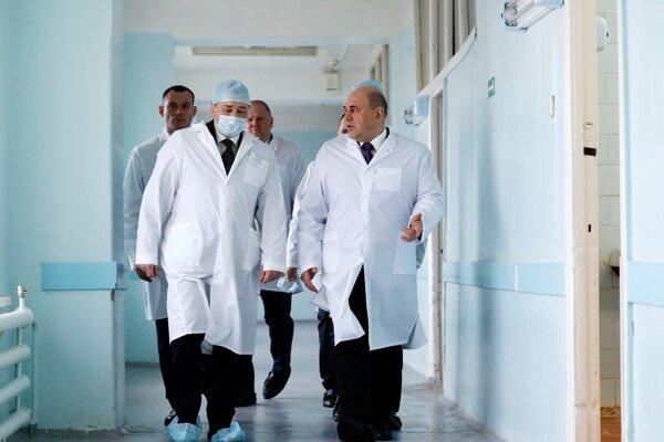 Ruský premiér Michail Mišustin v nemocnici v meste Kurgan.