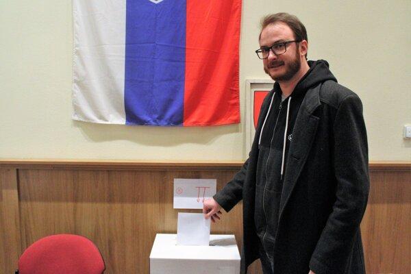 V Leopoldove hlásia vysokú volebnú účasť.