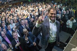 Voľby 2020: Matovič oslavuje volebný úspech.