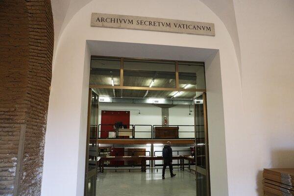 Hlavný vchod do Vatikánskeho archívu.