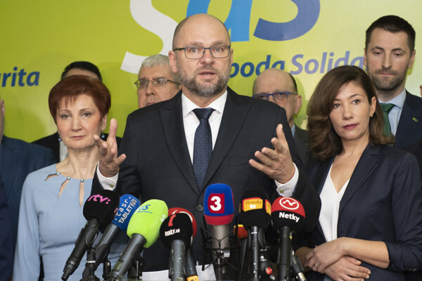Jarmila Halgašová, Richard Sulík a Lucia Ďuriš Nicholsonová.