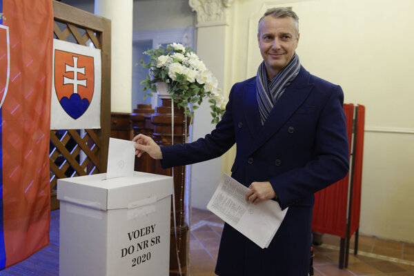 Richard Raši počas volieb.