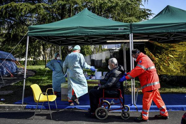 Taliansko bojuje s epidémiou, zomrelo viac ako tisíc ľudí.