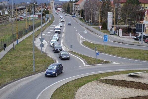 Kruhový objazd v Humennom.