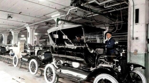 Montážna linka vyústila do predaja 15 miliónov automobilov a svetovej nadvlády spoločnosti Ford v prvých rokoch automobilového veku