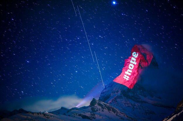 Nasvietený Matterhorn.