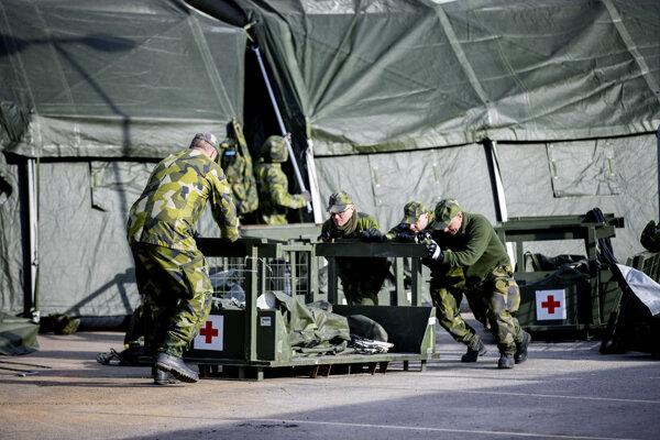 Švédska armáda zriaďuje nemocnicu v Goteborgu.