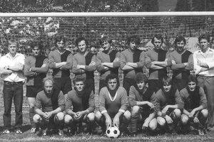 Družstvo Dlhej z roku 1982.