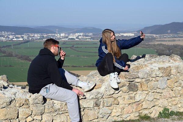 Výhľad z Brekovského hradu je unikátny.