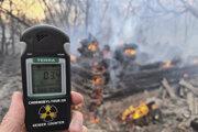 Nameraná zvýšená radiácia počas lesného požiaru v uzavretej zóne okolo Černobyľskej jadrovej elektrárne 5. apríla 2020.