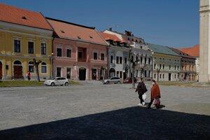 Námestie Majstra Pavla v Levoči počas opatrení kvôli pandémii nového koronavírusu.