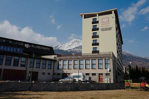 Hotel Granit v Tatranských Zruboch vo Vysokých Tatrách tiež prichýlil repatriantov.