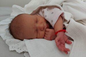 Šarlotka Šišovská (3310 g, 50 cm) sa narodila 30. marca Michaele a Jánovi zo Záblatia.