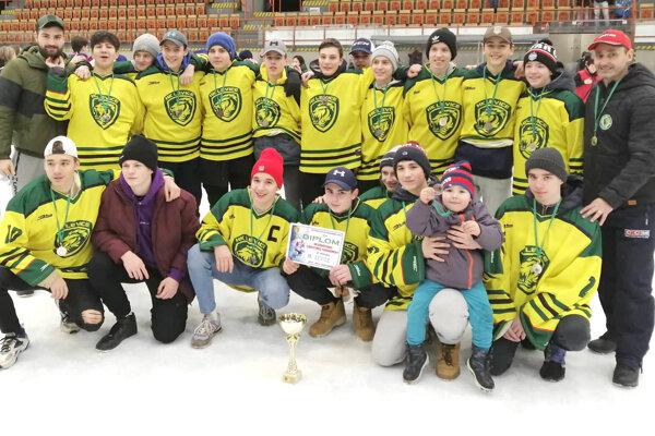 Levickí kadeti si počas sezóny na domácom ľade vybojovali druhé miesto na Vianočnom turnaji.