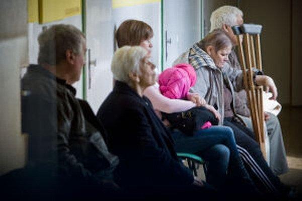 Sociálnym taxíkom dôchodcovia najviac cestujú k lekárovi.