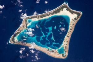 Atol Atafu v južnom Tichom oceáne. Koralový ostrov má na dĺžku zhruba osem kilometrov.