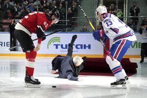 José Mourinho na zápase KHL.
