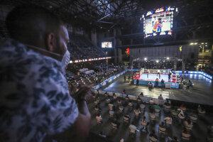 Fanúšikovia v Nikarague sledujú zápas v boxe.