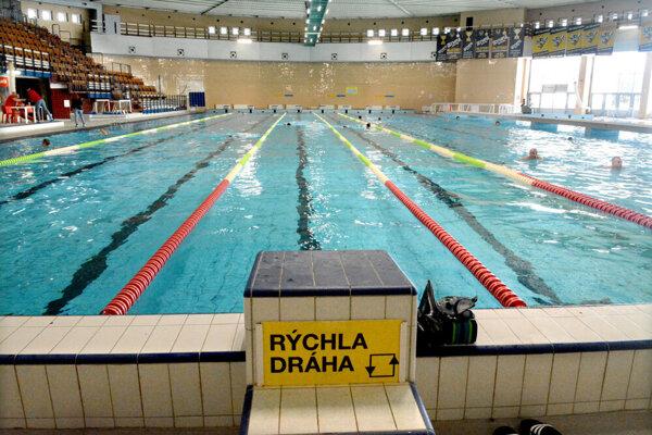 Podľa prebežných plánov postupného uvoľňovania by si mohla verejnosť zaplávať v júni.