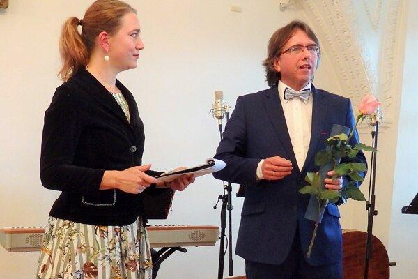 Pavol Vitko pri preberaní Medzinárodnej ceny Egona Ervina Kischa.