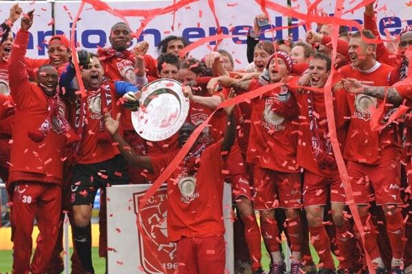 Futbalisti Twente Eschede po triumfe v roku 2010.