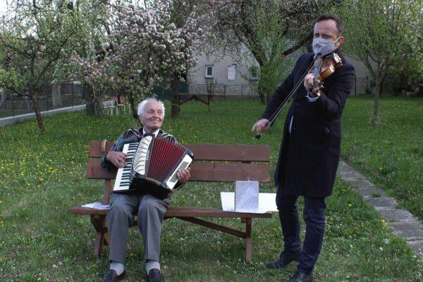 S Ondrejom Kandráčom to Vladimírovi Strmeňovi ladí ľudsky aj muzikantsky.
