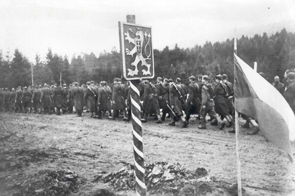 Vojaci Karpatsko-duklianskej operácie, ktorá bola jednou z najväčších horských bitiek 2.svetovej vojny. Muníciu po týchto bojoch nachádzajú ľudia dodnes.