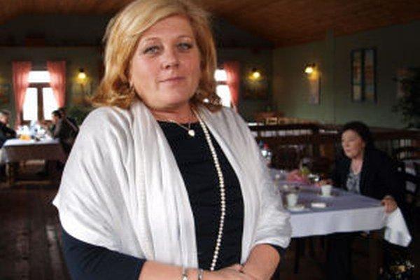 Starostka Janovej Lehoty a poslankyňa zastupiteľstva BBSK Božena Kováčová (Smer-SD, KDH) reaguje na obvinenia nezávislého poslanca Daniela Geliena. Ten tvrdí, že porušila zákon.