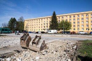 Obnovou prejde i parkovisko pred budovami internátov.