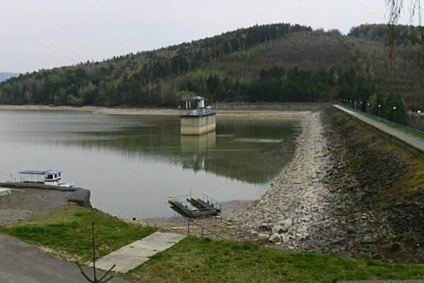 Hrádza na vodnej nádrži Domaša.