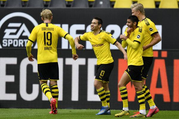 Zápas Borussia Dortmund vs Schalke 04.