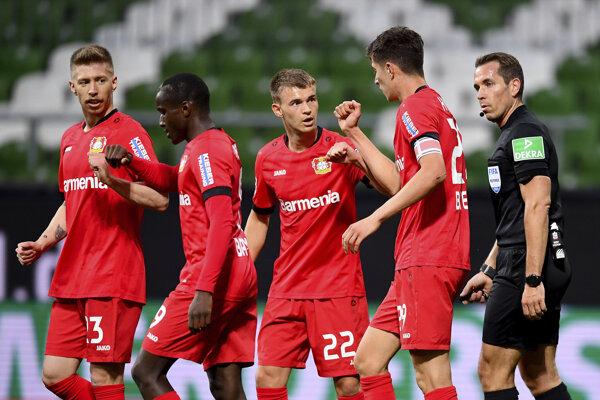 Futbalisti Bayeru Leverkusen.