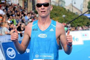 Jozef Urban v cieli Medzinárodného maratónu mieru.