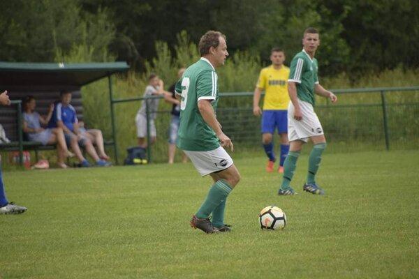 Jaroslav Mihalda (v popredí) v drese Snahy Zborov nad Bystricou.