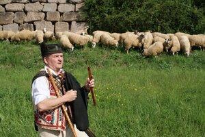 S ovčiarskou tradíciou je Ľubomír Tatarka - Čalamacha spätý od detstva a na vtipy o bačoch je alergický.