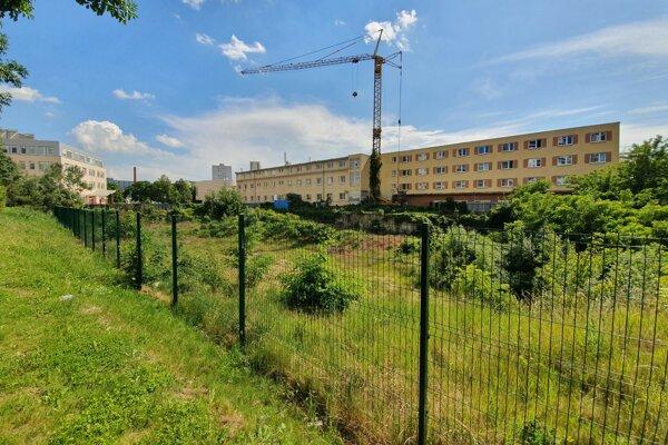 Pozemky, na ktorých má vyrásť projekt Residence Tower.