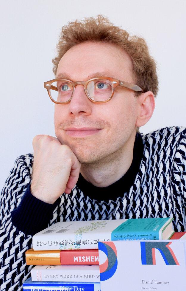 Autistický savant, spisovateľ Daniel Tammet dodnes vydal deväť kníh.