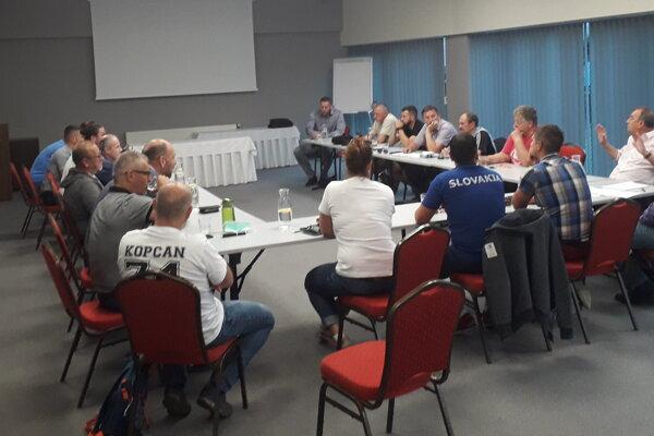 Stretnutie zástupcov športových klubov vo Zvolene.