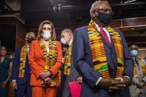 Predsedníčka Snemovne reprezentantov Kongresu USA Nancy Pelosiová a líder demokratov v Senáte Chuck Schumer.