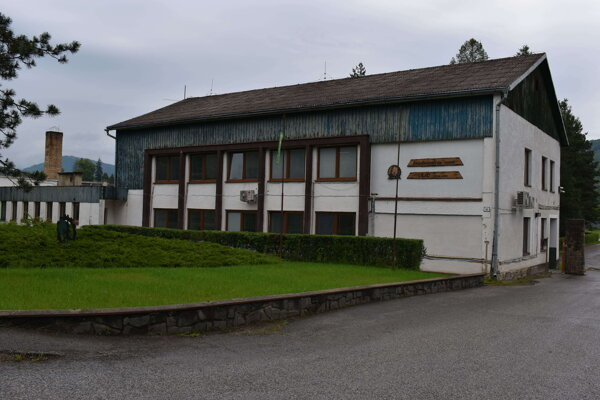 Štátny Lesopoľnohospodársky majetok Ulič sa borí s problémami.