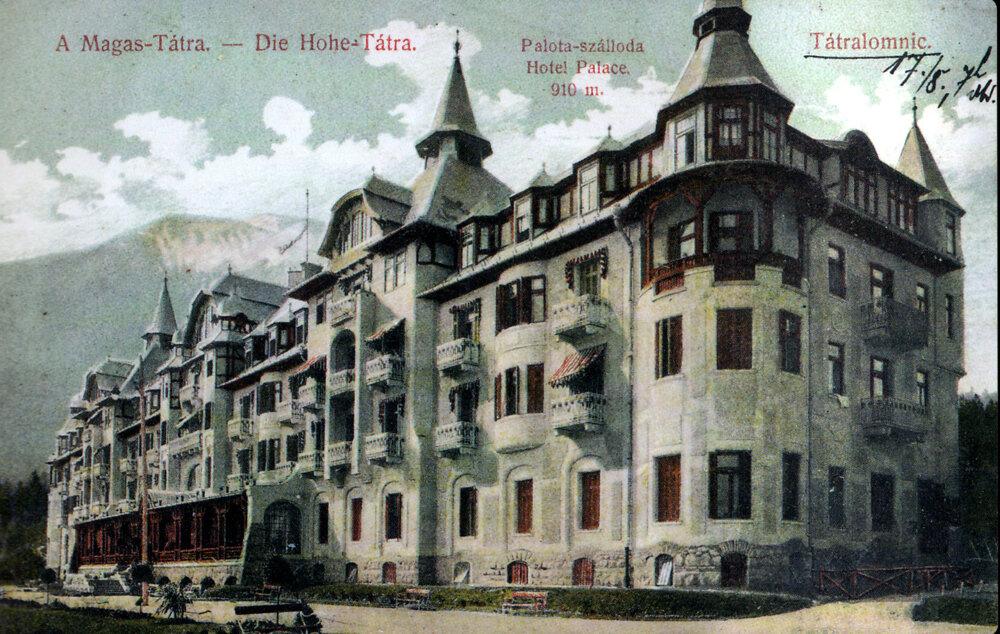 Dobová pohľadnica Grandhotela Praha v Tatranskej Lomnici.