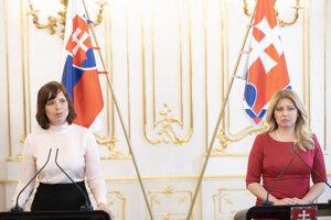 Podpredsedníčka vlády pre investície a informatizáciu SR Veronika Remišová (vľavo) a prezidentka SR Zuzana Čaputová.