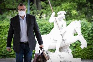 Minister práce, sociálnych vecí a rodiny Milan Krajniak ešte nevie, ako bude vyzerať ďalšia pomoc pre podnikateľov.