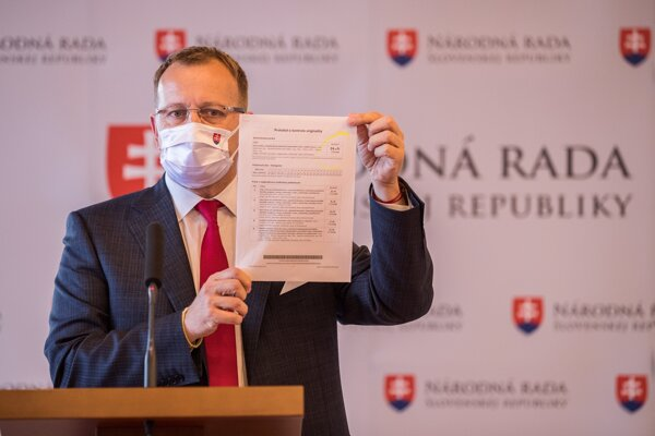 Boris Kollár na utorňajšej tlačovej konferencii.