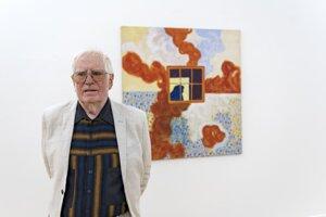 Výtvarník Alexander Salontay na výstave v Galérii Jána Koniarka v Trnave.
