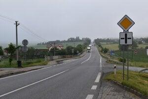 Pohľad na Chmeľovský kopec smerom od Lipníkov.