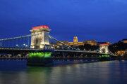 Széchenyiho reťazový most ponad Dunaj v Budapešti.